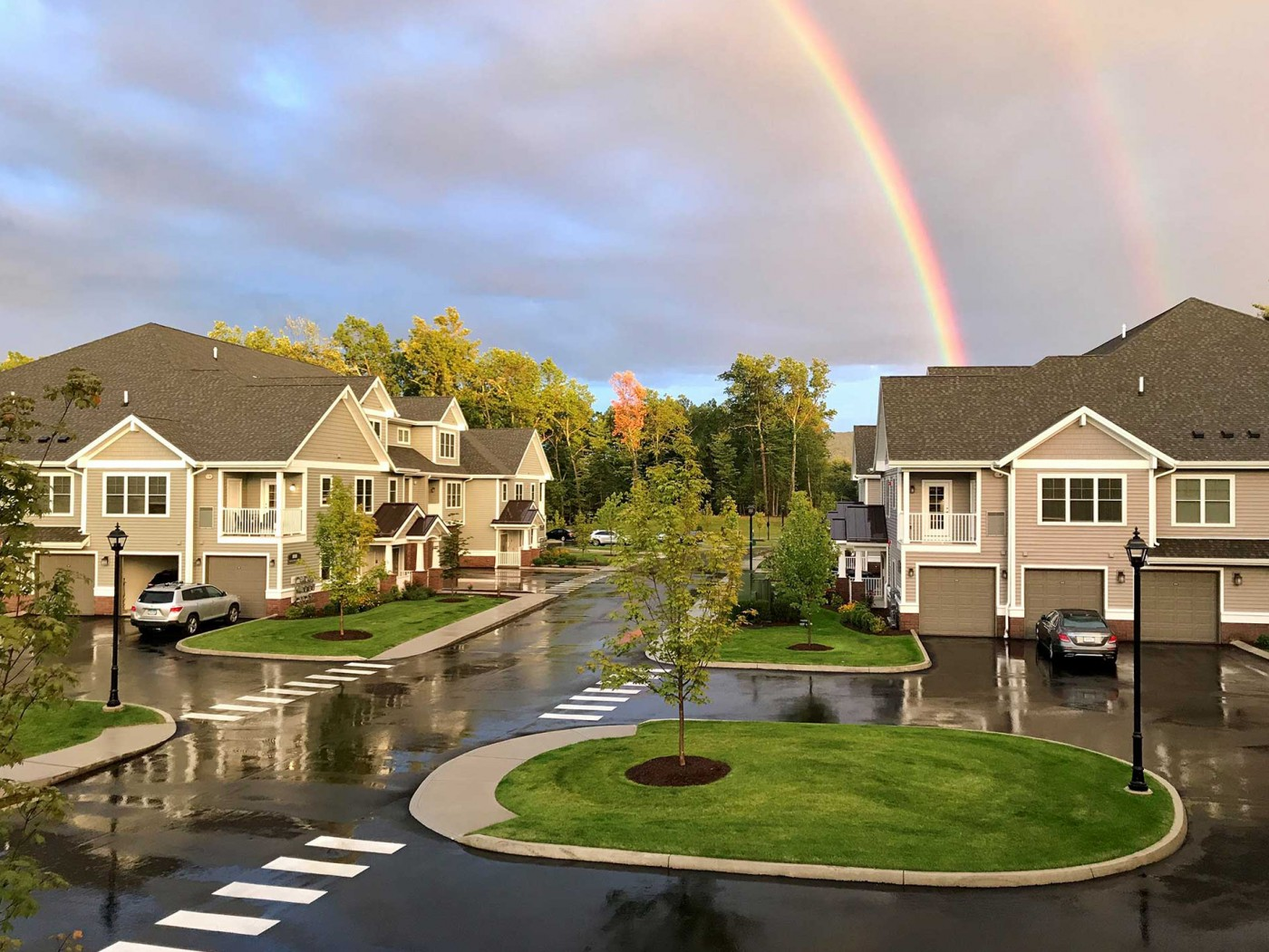 Highcroft-Simsbury-Double-Rainbow-opt-tilted